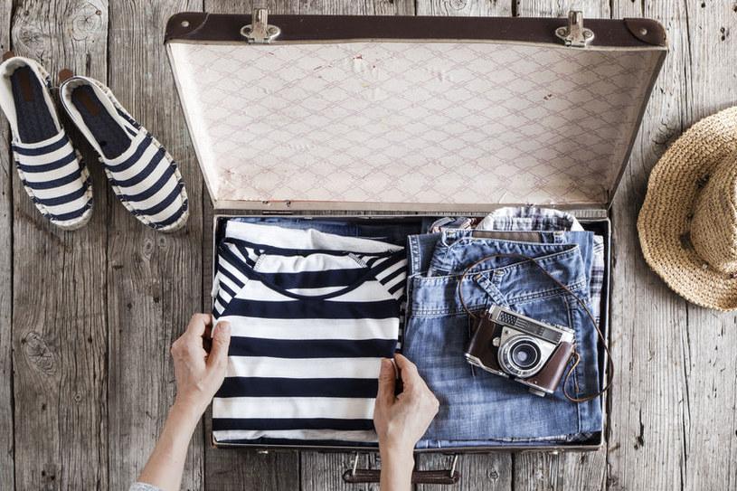 Jak składać ubrania? /©123RF/PICSEL