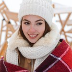 Jak skutecznie nawilżyć skórę zimą?