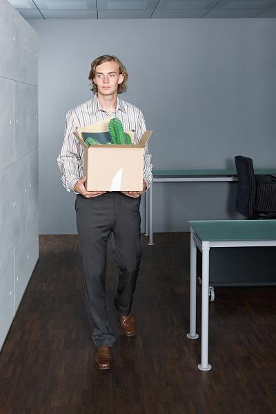 Jak skutecznie rozwiązać umowę z pracodawcą? /123RF/PICSEL