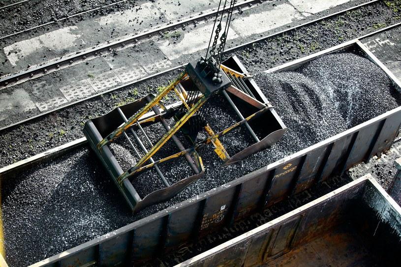 Jak spółki energetyczne ratowały Kompanię Węglową? /123RF/PICSEL