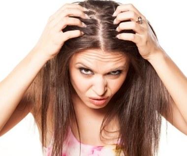 Jak sprawić, aby włosy się nie przetłuszczały?