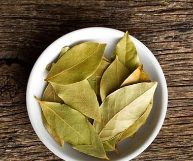 Jak stosować olej laurowy w leczeniu bólu stawów?