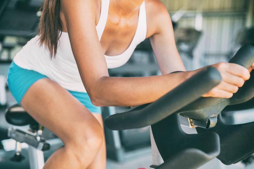 Jak szybciej schudnąć? /©123RF/PICSEL