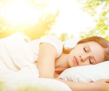 Jak szybciej zasnąć i zwiększyć wydajność wypoczynku?