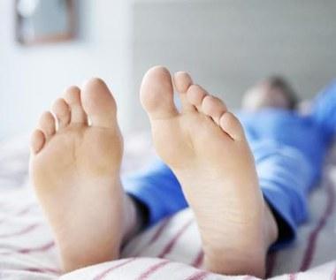 Jak szybko pozbyć się brzydkiego zapachu stóp?