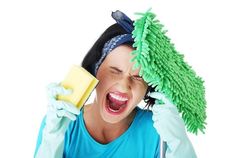Jak szybko uporać się ze sprzątaniem? /©123RF/PICSEL