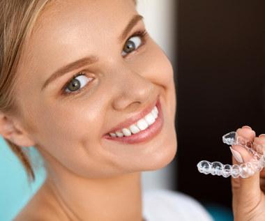 Jak szybko wyprostować zęby?