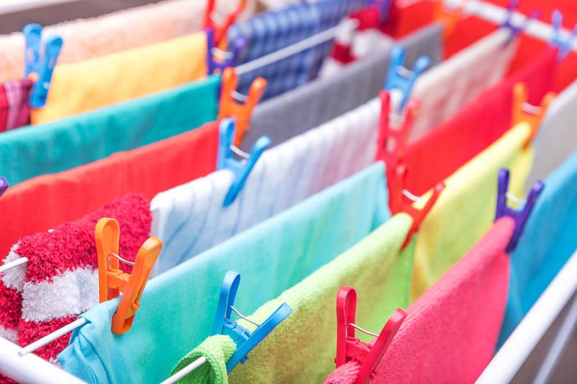 Jak szybko wysuszyć ubrania? /123RF/PICSEL