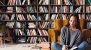 Jak tanio i szybko odświeżyć domową biblioteczkę?
