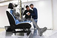 0007PB1G6MOJOT43-C307 Jak testuje się samochodowe fotele?