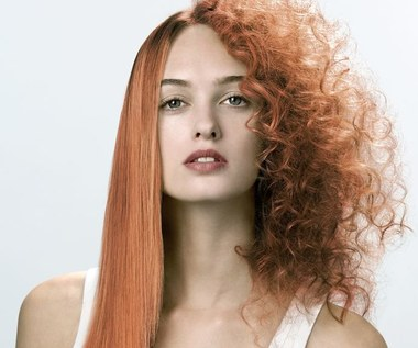 Jak trwale wyprostować włosy bez prostownicy?