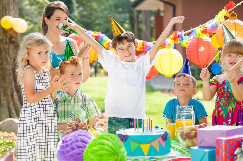 Jak uatrakcyjnić imprezę urodzinową dziecka? /©123RF/PICSEL