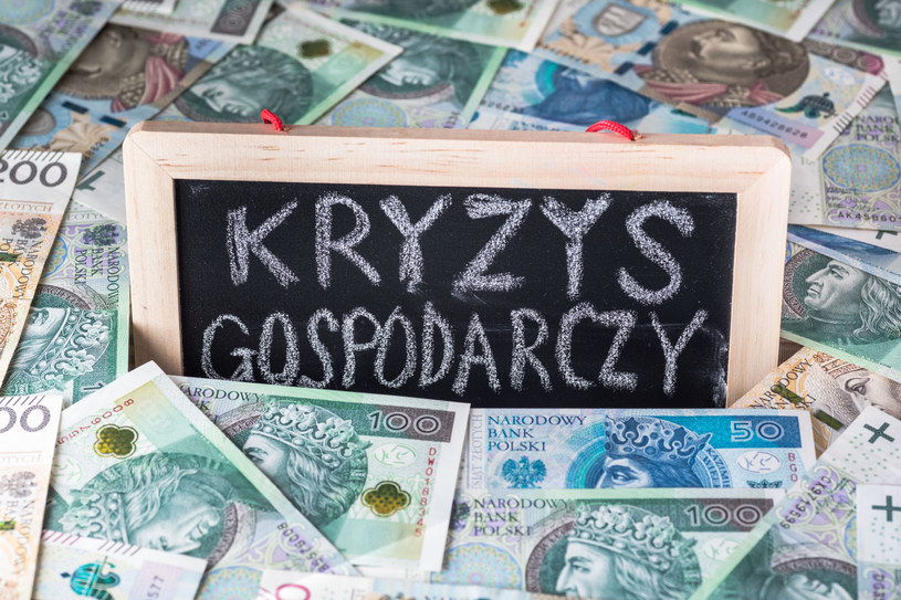 Jak uchronić polską gospodarkę przed całkowitym zamknięciem? /Arkadiusz Ziółek /East News