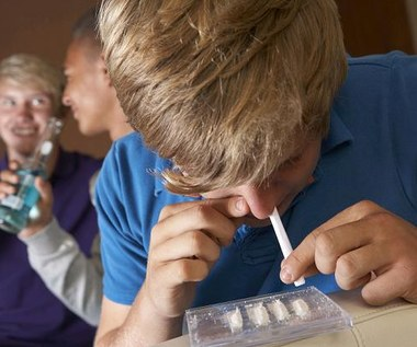 Jak uchronić swoje dziecko przed uzależnieniem od narkotyków?