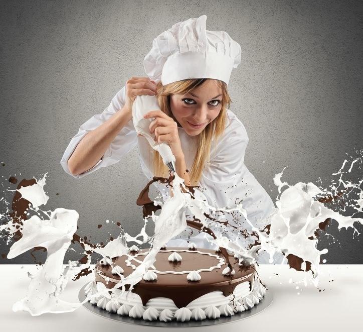 Jak udekorować ciasto? /©123RF/PICSEL