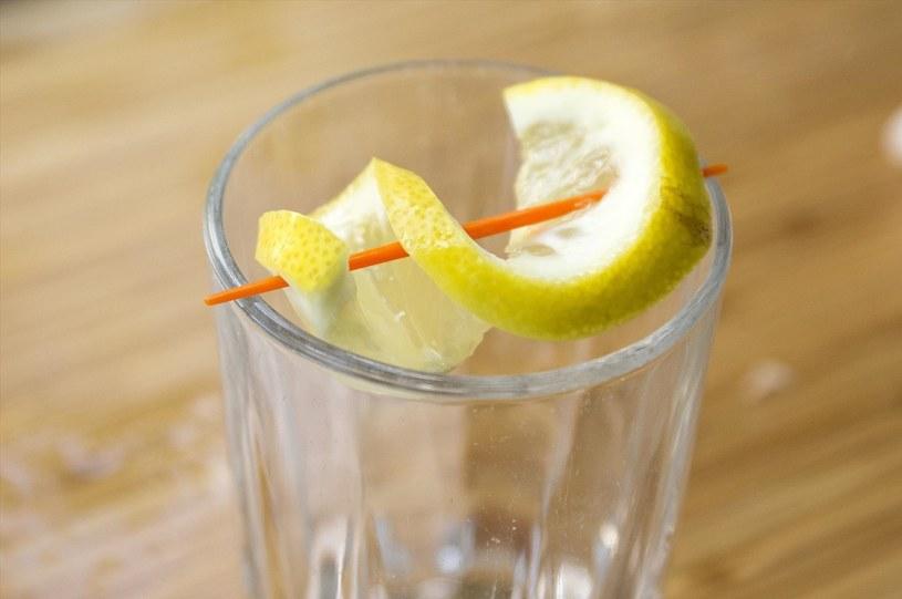 Jak udekorować drinka /© Photogenica