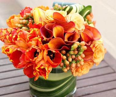 Jak układać kwiaty w wazonie?