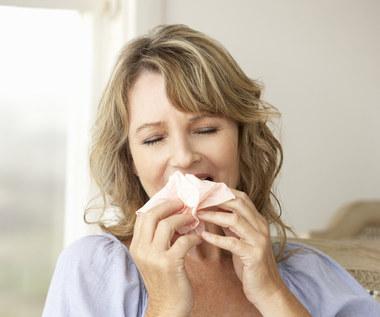 Jak ułatwić oddychanie przy katarze?