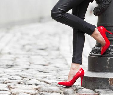 Jak uniknąć bólu stóp podczas noszenia butów na obcasie?