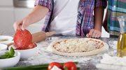 Jak upiec w domu dobrą pizzę?