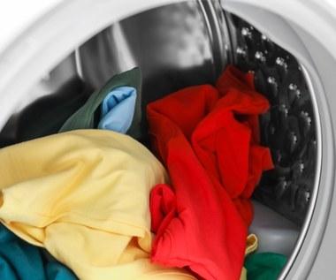 Jak uratować zafarbowane ubrania? Sprawdzone sposoby