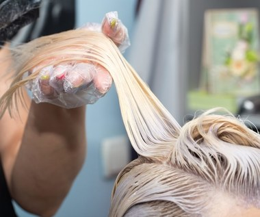 Jak usunąć plamy z farby do włosów?