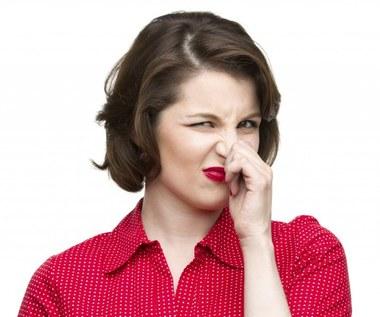 Jak usunąć przykre zapachy sodą oczyszczoną?
