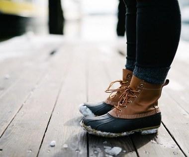 Jak usunąć z butów plamy z soli?