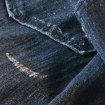 Jak usunąć zaschnięte plamy po farbie lateksowej?