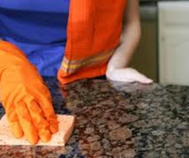 Jak w naturalny sposób wyczyścić granit?