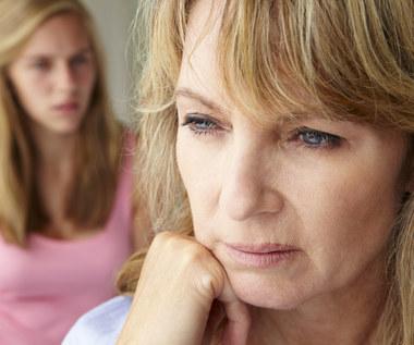 Jak w naturalny sposób zrównoważyć poziom hormonów?
