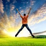 Jak w naturalny sposób zwiększyć poziom energii w organizmie?