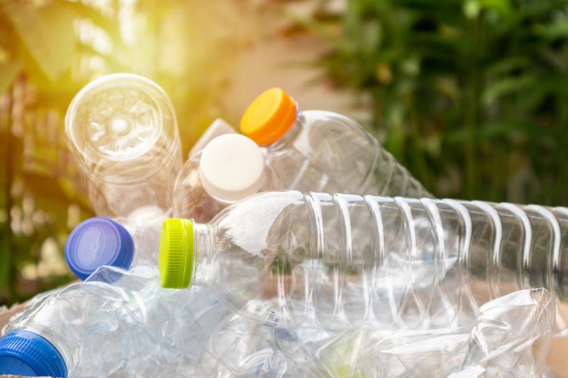 Jak walczyć z zanieczyszczeniem plastikami? /123RF/PICSEL