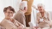 Jak właściwie zadbać o potrzeby seniora? Wskazówki dla opiekuna
