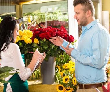Jak wręczać i przyjmować kwiaty, aby zachowały swoje znaczenie?