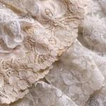 Jak wybielić zszarzałe tkaniny? Domowe sposoby