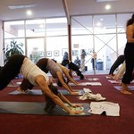 Jak wybrać szkołę jogi?