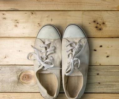 Jak wyczyścić białe buty?