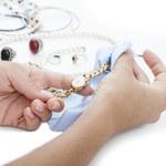 Jak wyczyścić biżuterię domowymi sposobami?
