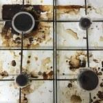 Jak wyczyścić brudne palniki i kratki bez szorowania?