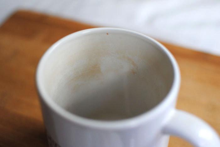 Jak wyczyścić kubki po kawie herbacie /© Photogenica