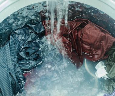 Jak wyczyścić pralkę i pozbyć się z niej pleśni i kamienia?
