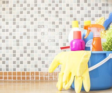 Jak wyczyścić trudno dostępne miejsca w domu?