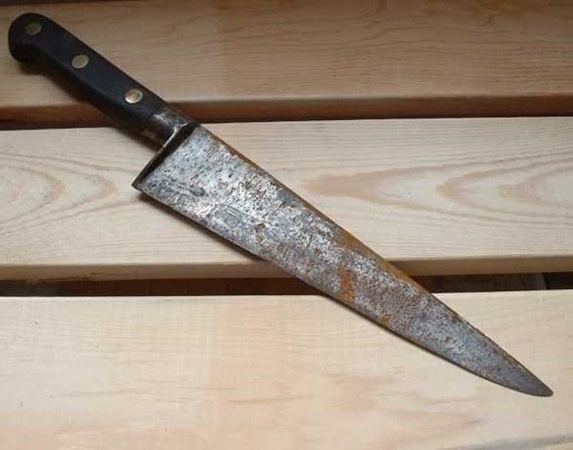 Jak wyczyścić zardzewiałe noże kuchenne /© Photogenica