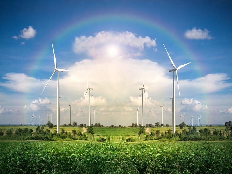 Jak wygląda sprawa funduszy na rozwój zielonej energii? /123RF/PICSEL