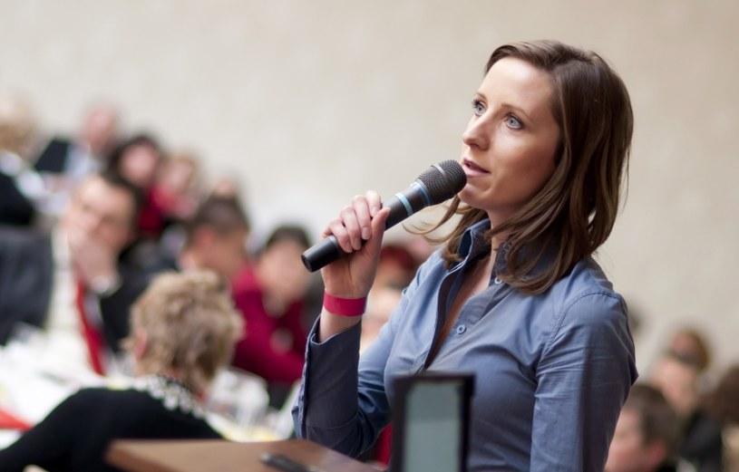 Jak wygłosić przemówienie? /©123RF/PICSEL