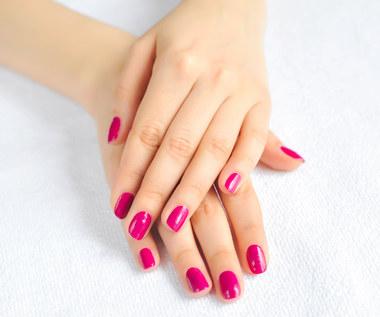 Jak wykonać domowy manicure i pedicure?