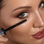 Jak wykonać makijaż powiększający oko?