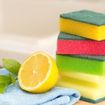 Jak wykorzystać cytrynę w sprzątaniu?