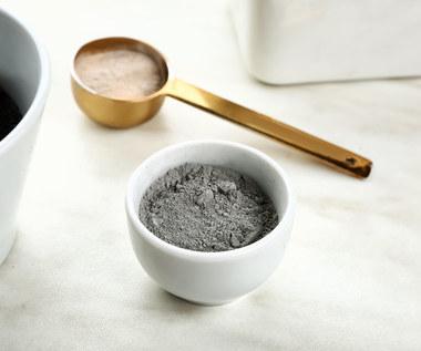 Jak wykorzystać glinkę bentonitową? Najlepsze sposoby